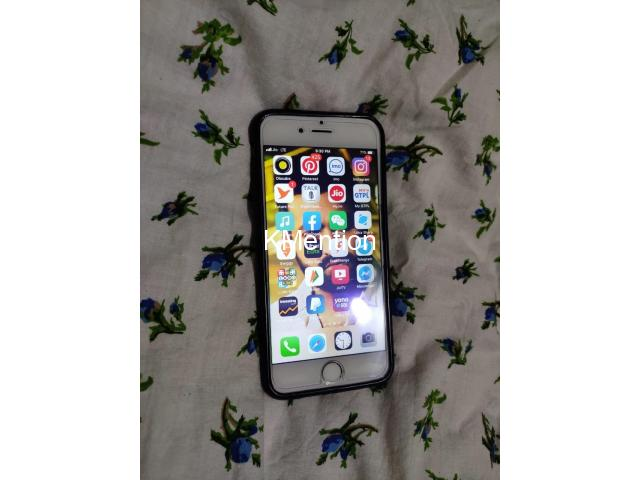 iPhone 6 128gb Better condition  Silver color - 1/8